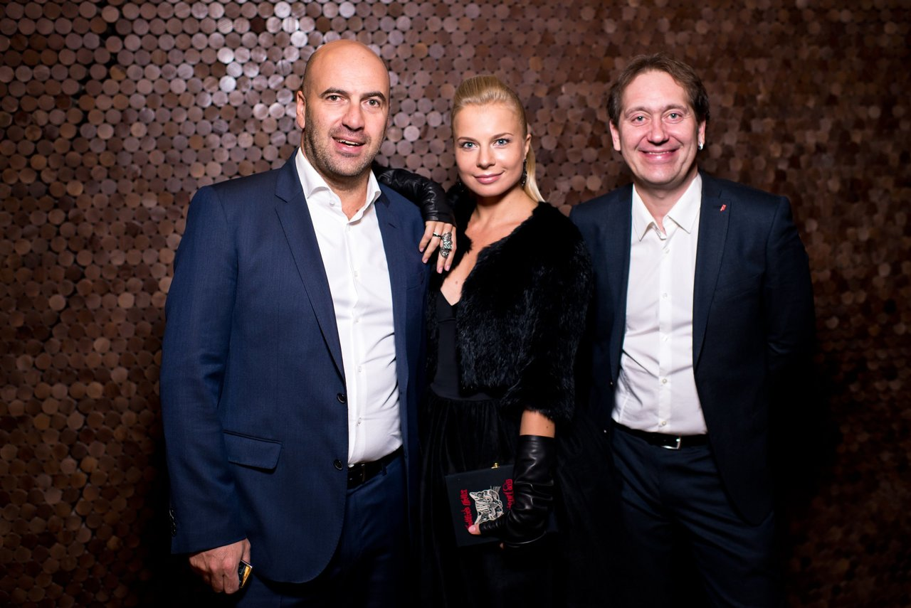 Александр демидов с женой и детьми фото